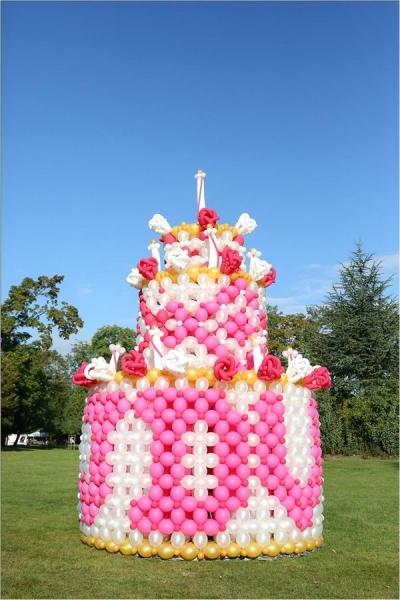 j-Piece-jumbo-avec-lettrages-3m-de-large-4m50-de-haut-et-7000-ballons